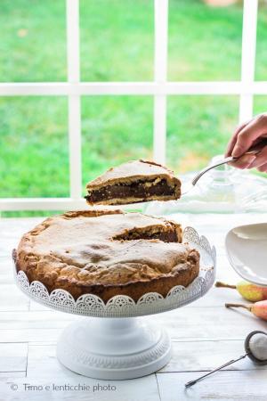 Crostata all' olio di oliva con pere e cioccolato fondente