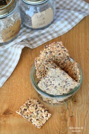 Crackers senza farine ai semi oleosi