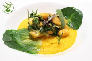 Gnocchi di Batata con crema di carote agli aromi e cicorino scottato - ricetta gluten free a basso IG