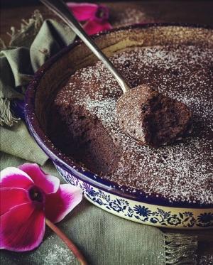 Torta dal cuore morbido al cioccolato fondente  #ricettedelbuonumore
