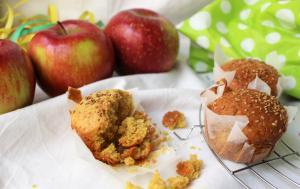 Cupcakes alla curcuma e cannella con semi di sesamo