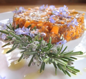 Tartare di zucca mantovana ai fiori di rosmarino