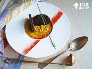 Crema di patate dolci e zucca con cialde di riso nero
