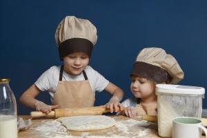 Cucinare con i bambini: benefici per genitori e figli