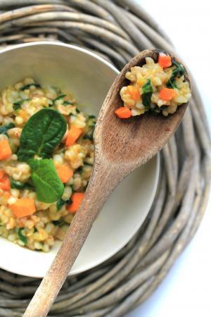 Zuppa di farro e riso con verdure