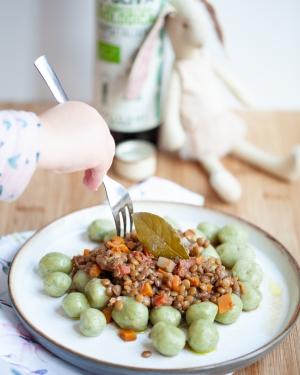 Chicche verdi con ragù di lenticchie