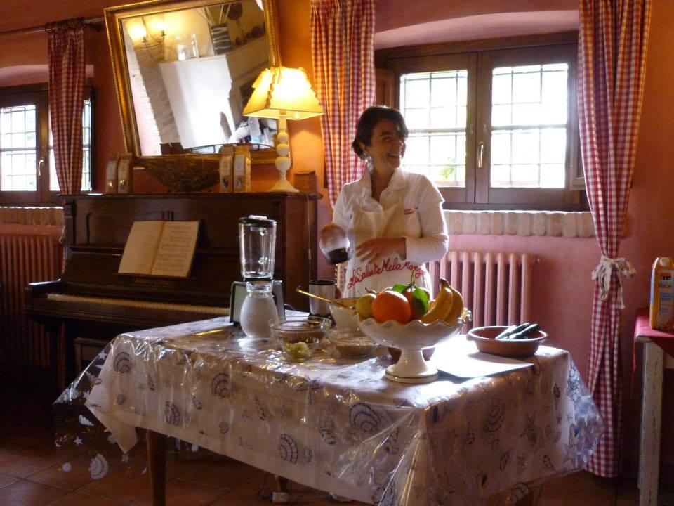 parte il 28 aprile il corso di cucina salutistica dellassociazione lasalutemelamangio composto da 4 incontri di circa 4 ore a partire dalle ore 1530