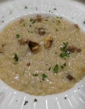 Risotto con gorgonzola, pere e noci
