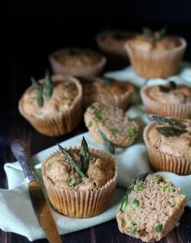 Muffin integrali agli asparagi - ricetta leggera e veloce