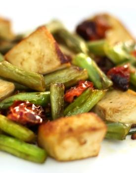 Tofu con pomodorini secchi e fagiolini #zerospreco